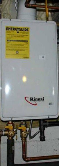 Rinnai R53 Propane Thankless water heater for Sale in Fort Washington, MD