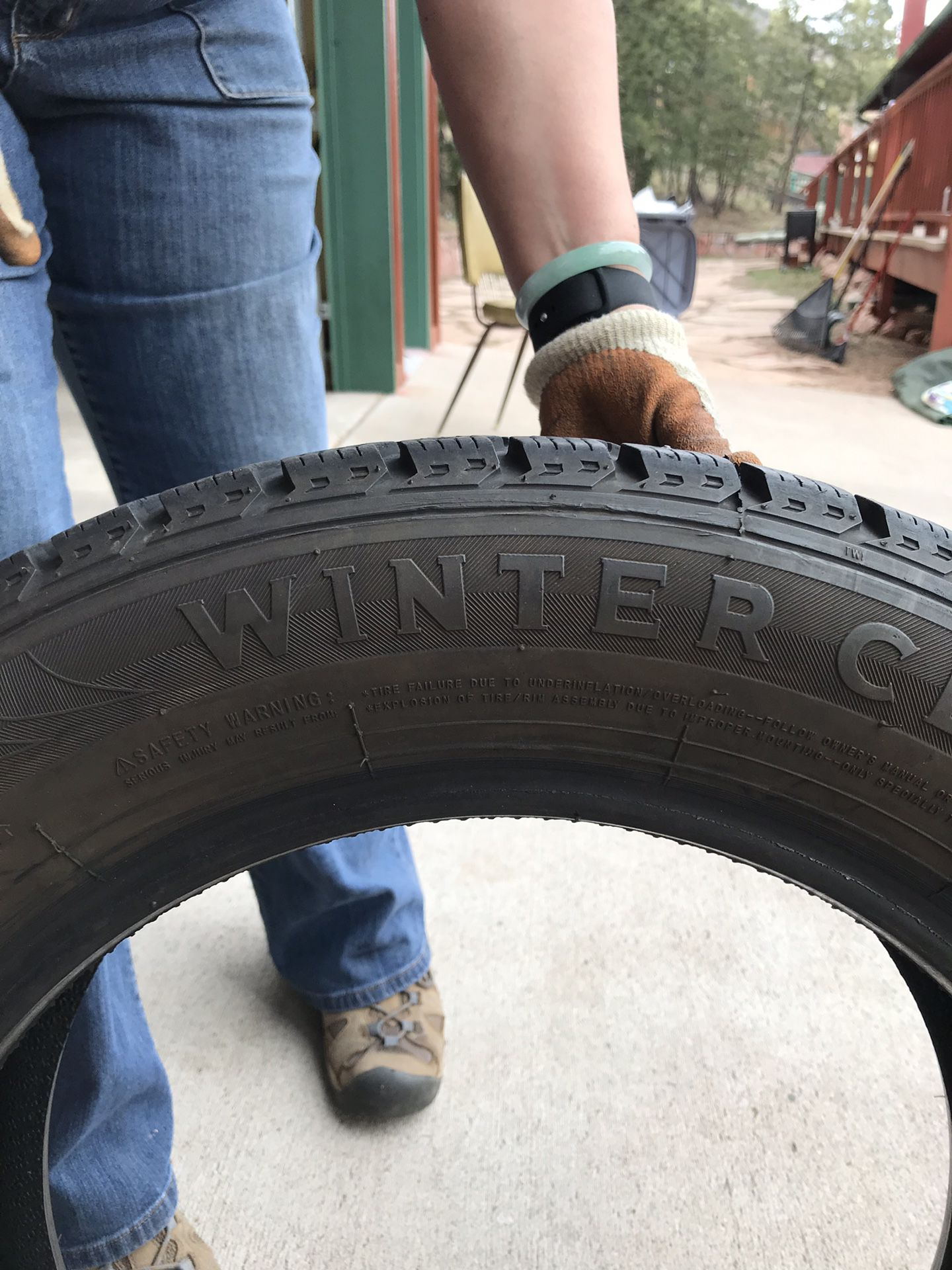 4 Studded tires