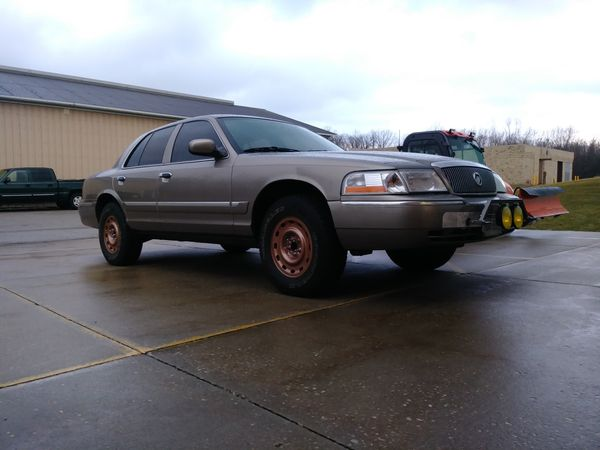 Cheap Used Lifted Trucks For Sale >> Lifted Off Road Grand Marquis for Sale in Stow, OH - OfferUp