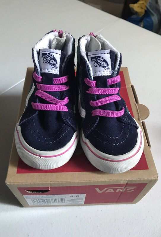 626eef6795b Baby Girl Vans Size 4 for Sale in Carson