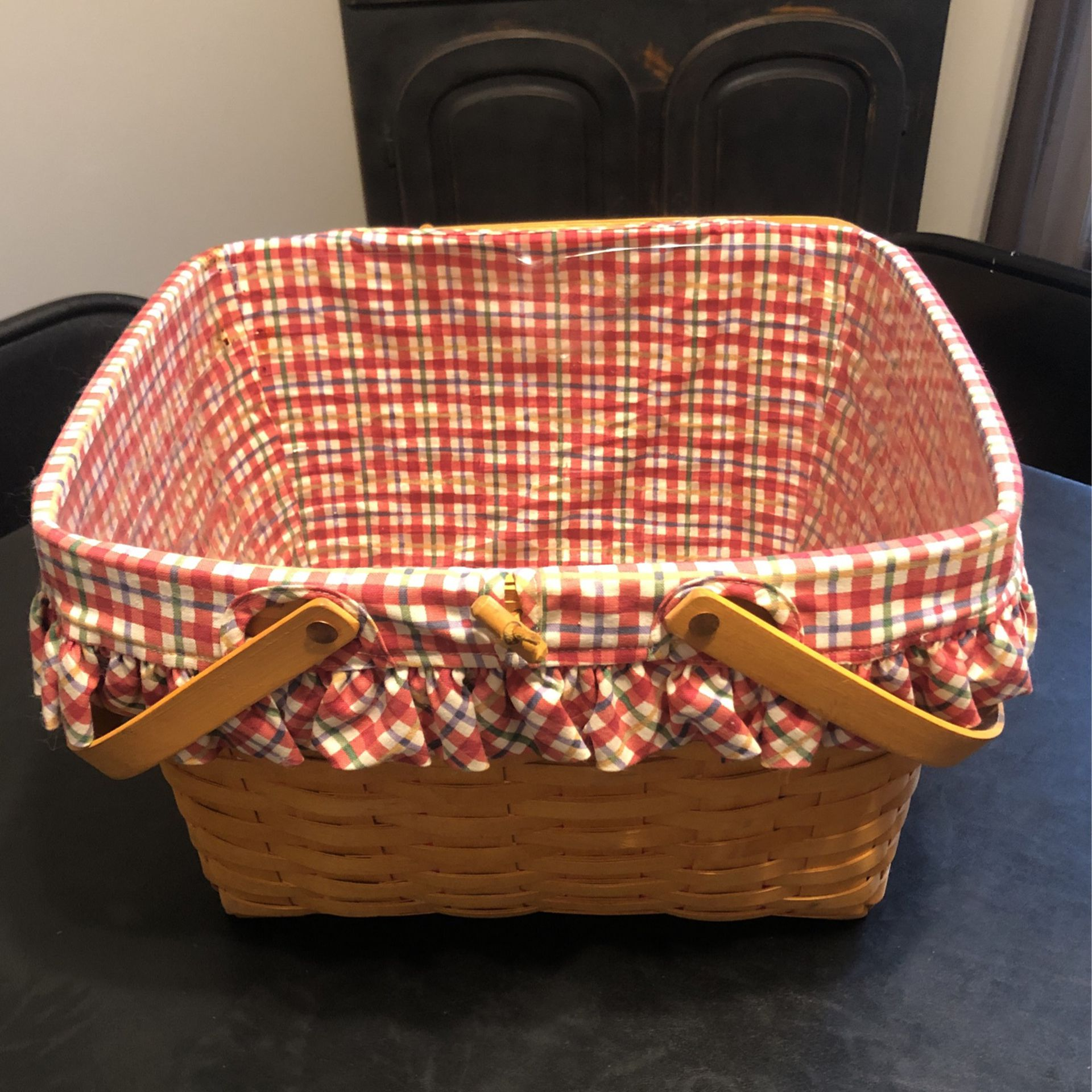 Large Longaberger Picnic Basket