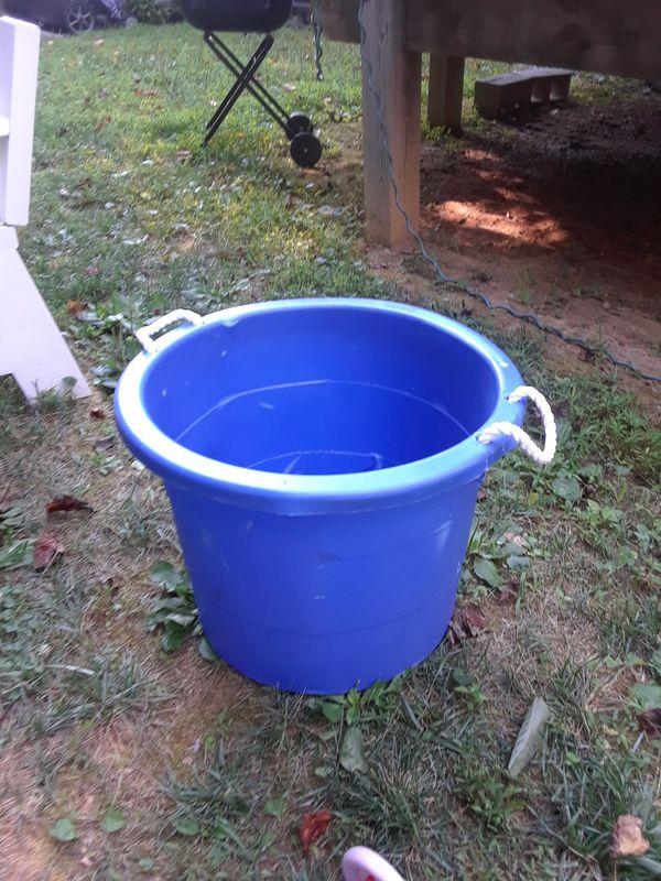 BLUE TUB (Household) in Woodbridge, VA - OfferUp