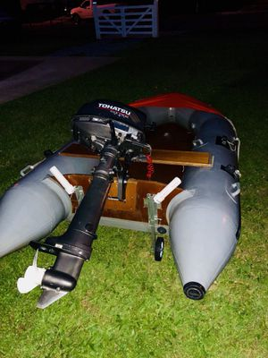Inflatable boat with outboard motor tohatsu 6 hp in excellent condition for Sale in Hyattsville, MD