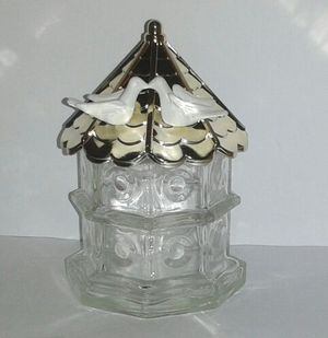 Vintage 1970s AVON Doves Collectible Bottle for Sale in Silver Spring, MD