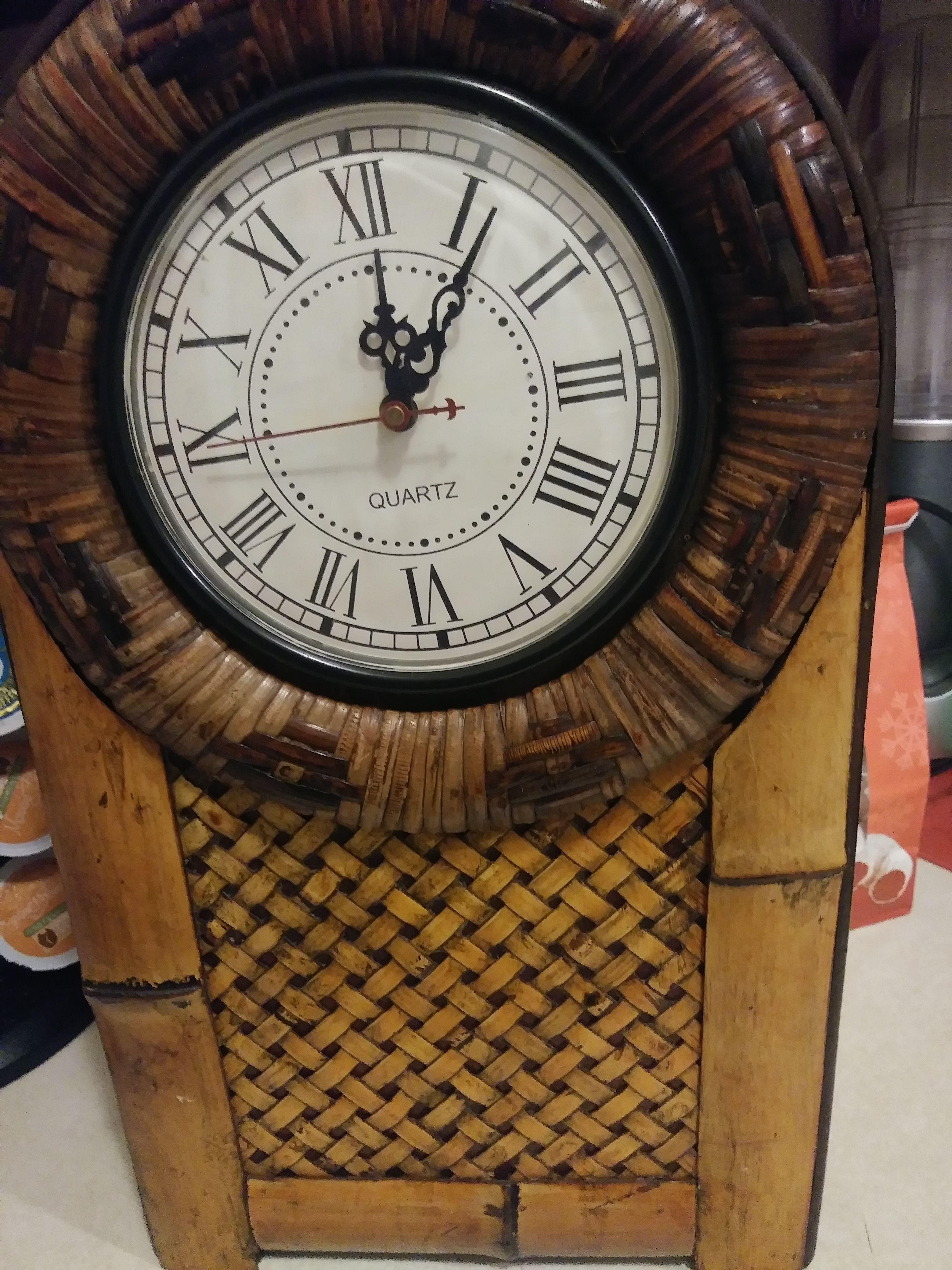 Nice hard wicker Quartz clock