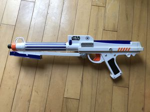 Hasbro 2006 Star Wars Clone Trooper Nerf Dartgun for Sale in Rockville, MD