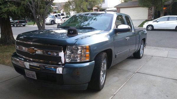 2007 Chevy Silverado Salvaged Title V 8 4 8 Liter Very Clean With Only 130k 22 Boss Rims Flowmasters Tinted Windows Has Tags Til 5 2019 For
