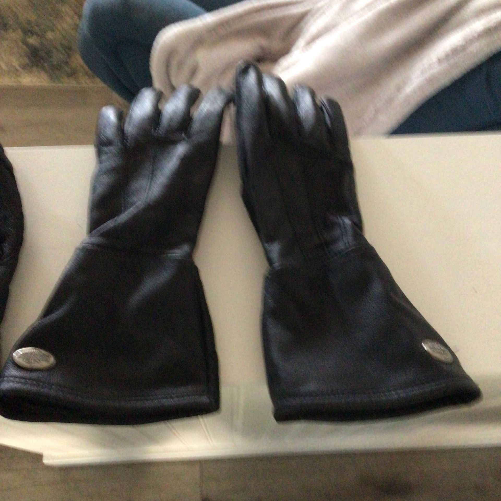 Tour Master Small gloves Good Condition and Harley Davison Long Gloves Women's Small Brand new