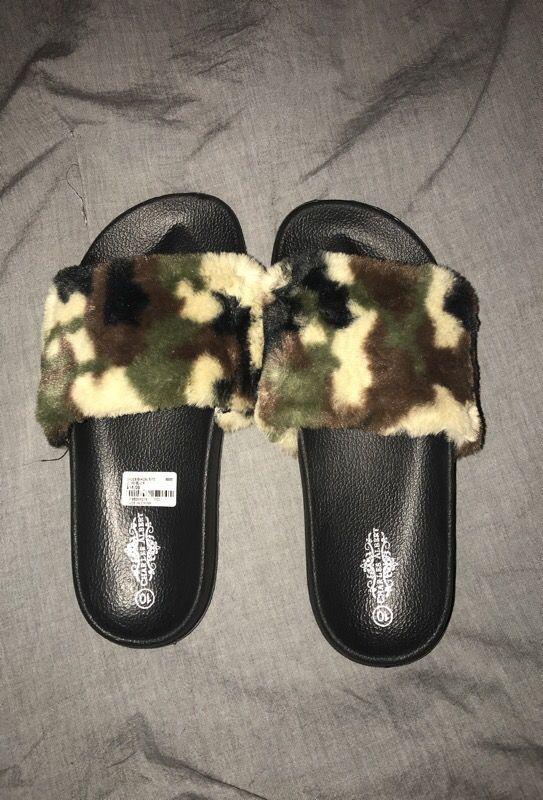 Sliders / sandals