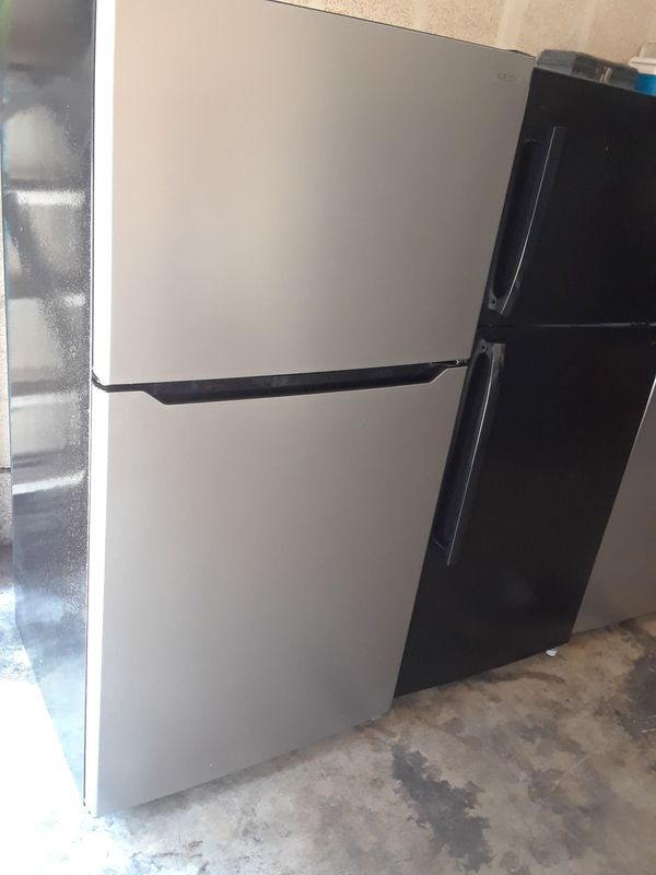 Refrigerator apartment size (Appliances) in South Gate, CA - OfferUp