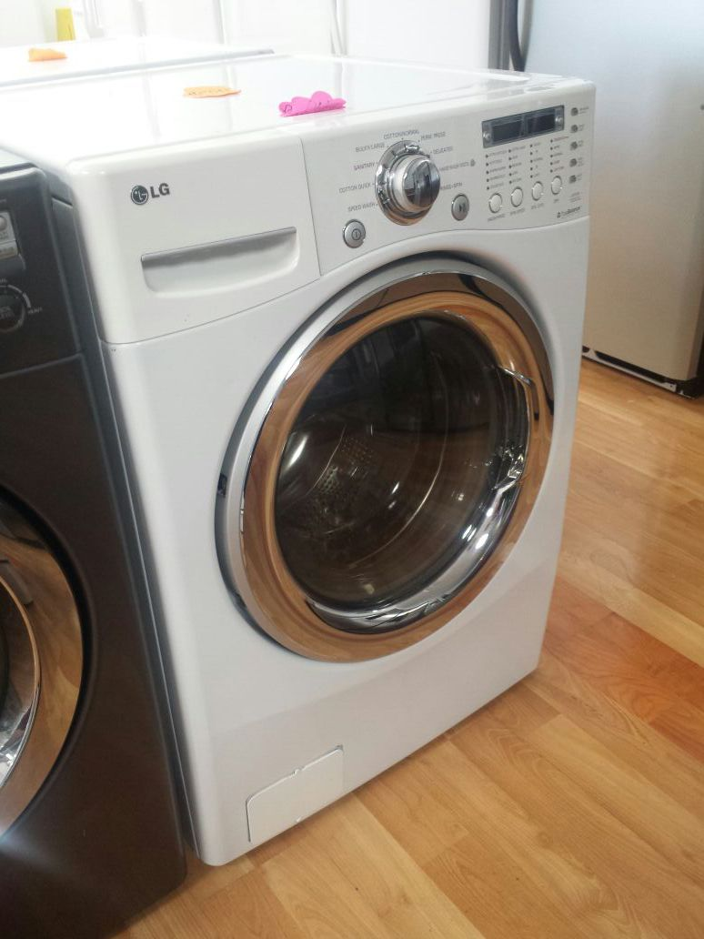 LG FRONT LOAD 2 IN 1 WASHER/DRYER