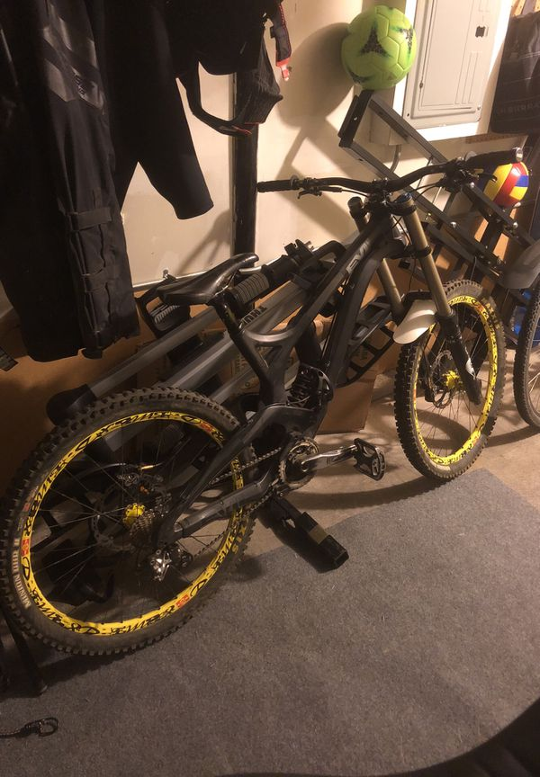69a841e9ac4 Full Carbon Evil Undead Downhill Mountain Bike for Sale in Seattle ...