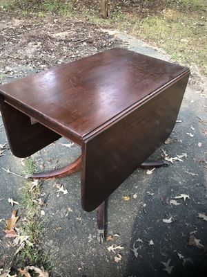 Antique Duncan Phyfe Drop Leaf Dining Table for Sale in Centreville, VA