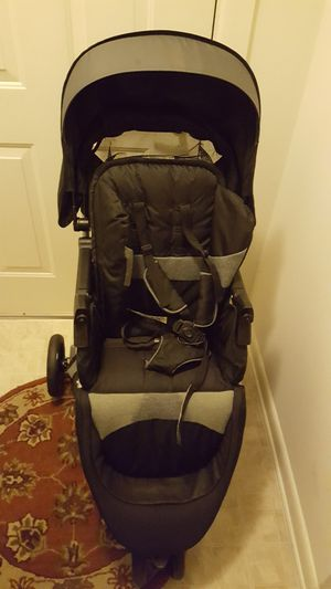 Used stroller very good 70.00 evenflo for Sale in Germantown, MD