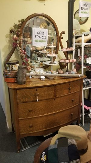 Gorgeous 3-drawer Dresser with Oval Mirror for Sale in Columbia, MD