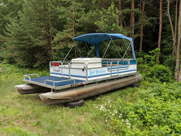 20ft Weeres Pontoon for Sale in Amery, WI - OfferUp