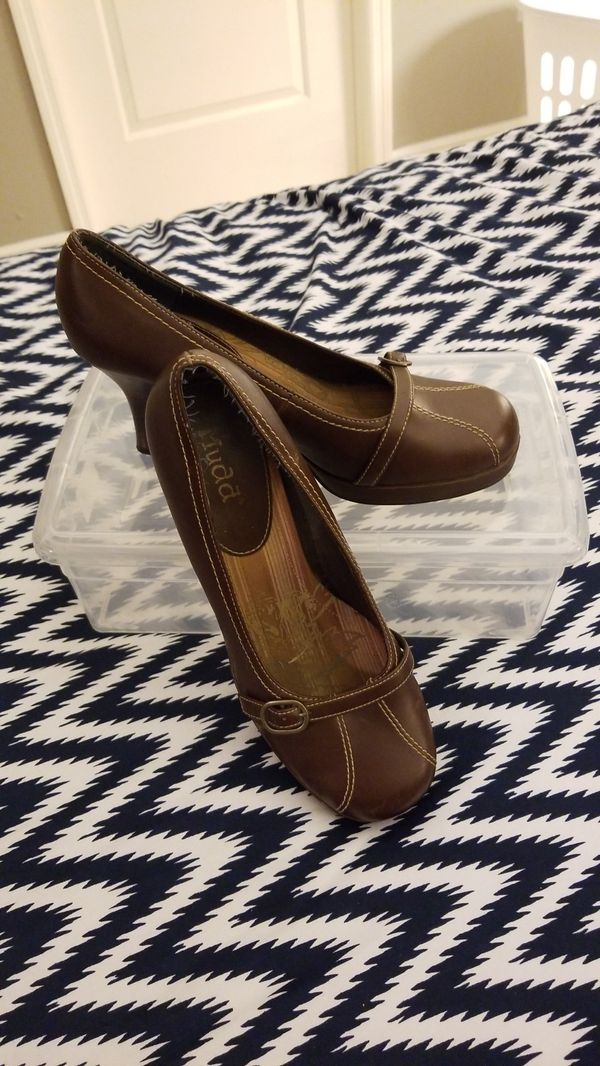 c5eb986e4964 Mudd Brown High Heels - Sz 11 for Sale in Oakland Park