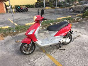 2008 piaggio running good $450 for Sale in Miami, FL