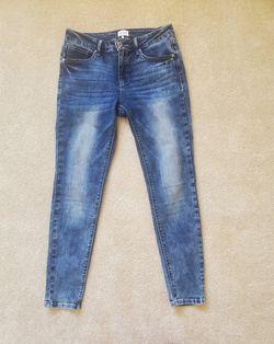 Skinny Jeans Thumbnail