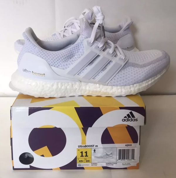 98556453adc55 Adidas Ultra Boost 2.0 Triple White SZ 11 for Sale in Hayward