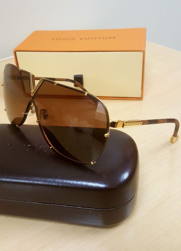 temperament shoes dirt cheap new photos Nice Authentic Louis Vuitton LV Drive Z0926E Damier/Gold ...