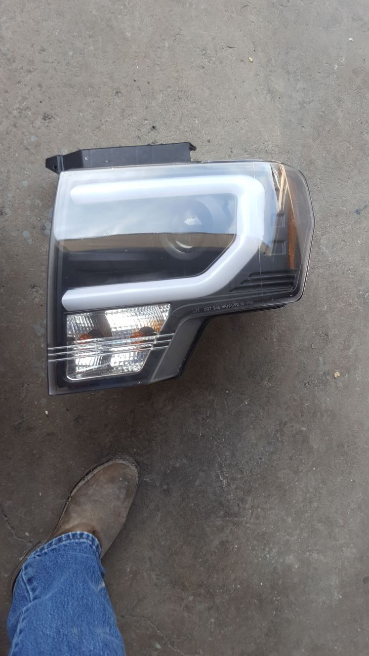 Front lights Ford f150 2010-2014