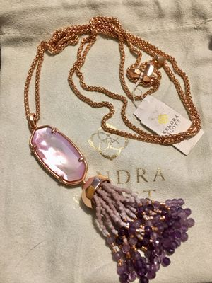NWT Kendra Scott Eva Rose Gold Long Pendant Necklace In Lilac Mother Of Pearl for Sale in Austin, TX