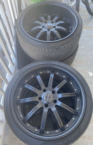 Photo 20 inch Rohana wheels black staggered rims 5x120 came off a BMW 5 series two rims bent but fixable asking $400 obo 275/30/20 , 245/35/20