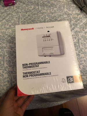BRAND NEW Honeywell Non-Programable Thermostat for Sale in Sterling, VA