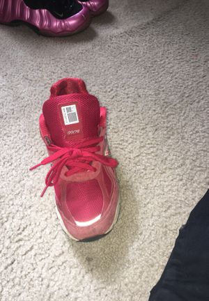Red new balance 990v4 sz 8 7/10 condition for Sale in Darnestown, MD