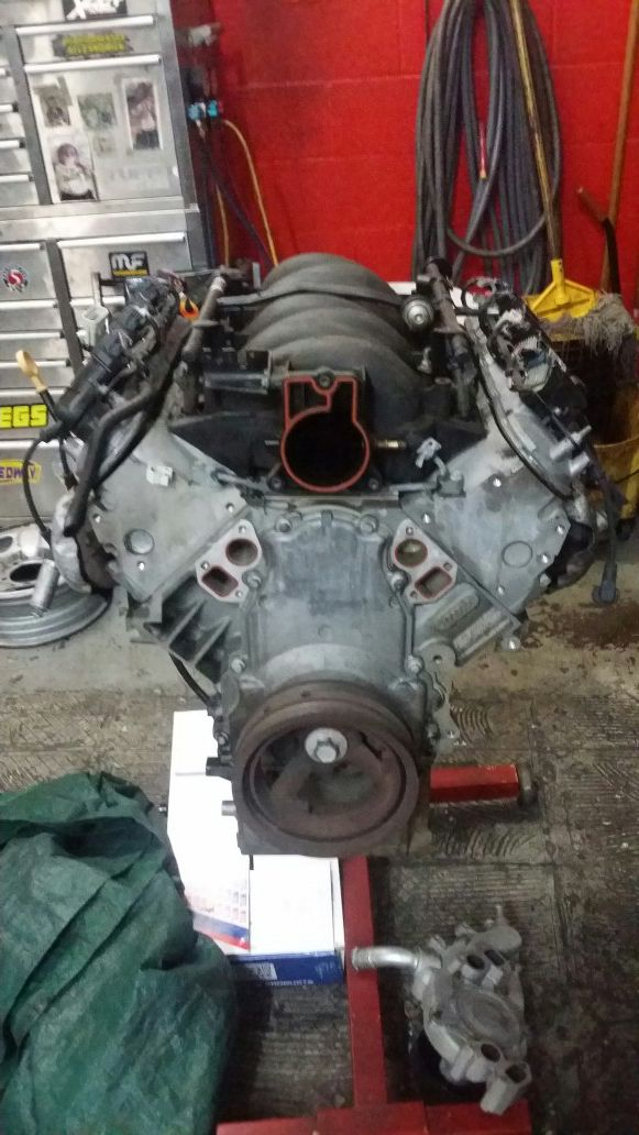 LS Engine w/ LS6 manifold and injectors all aluminum for Sale in Boca  Raton, FL - OfferUp