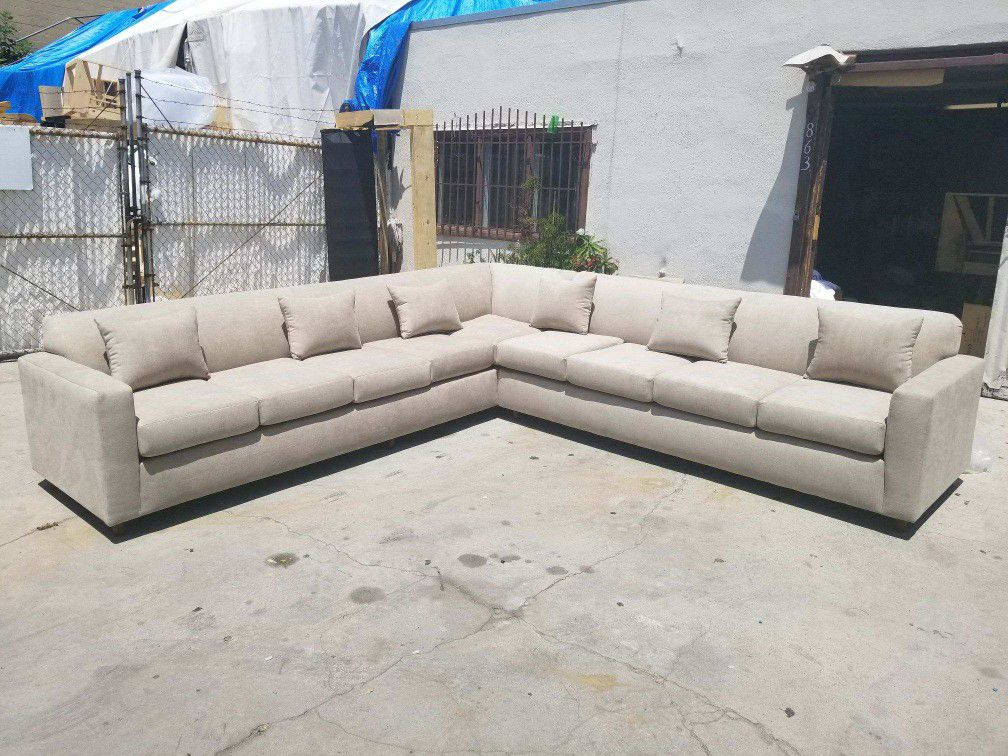 NEW 11X11FT ANNAPOLIS CREAM FABRIC SECTIONAL COUCHES