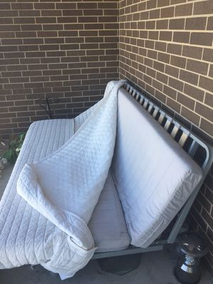 Futon w Frame for Sale in Austin, TX