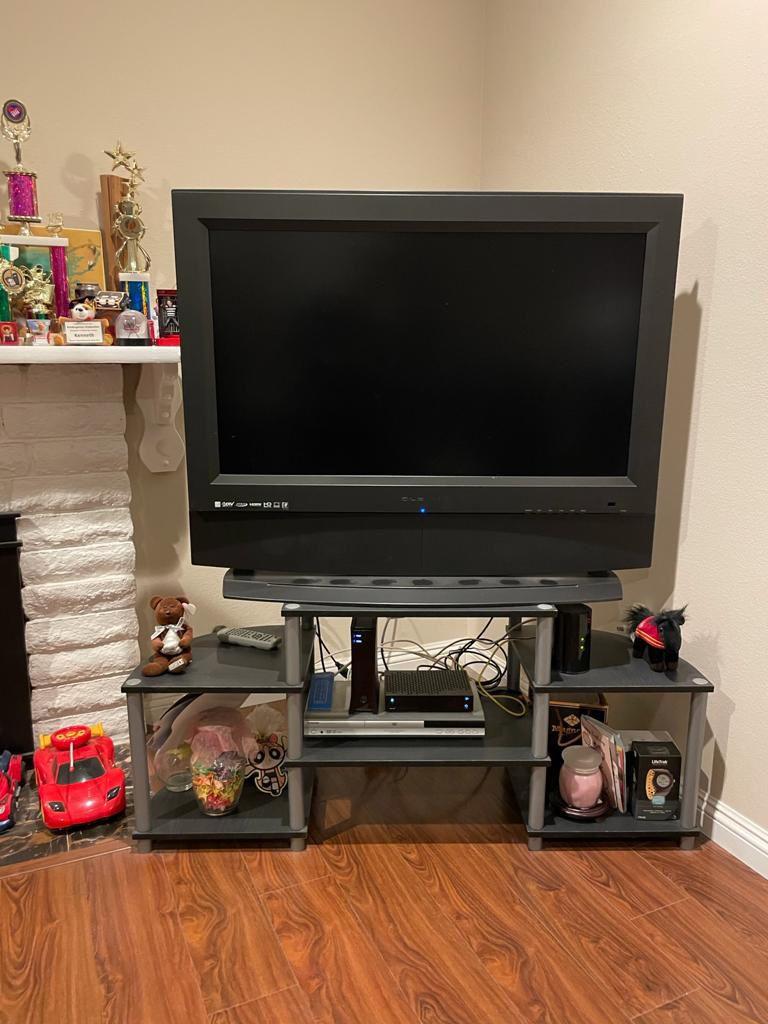 TV & TV STAND BUNDLE