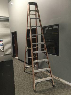 12 Foot Husky Aluminum Step Ladder for Sale in Windermere, FL