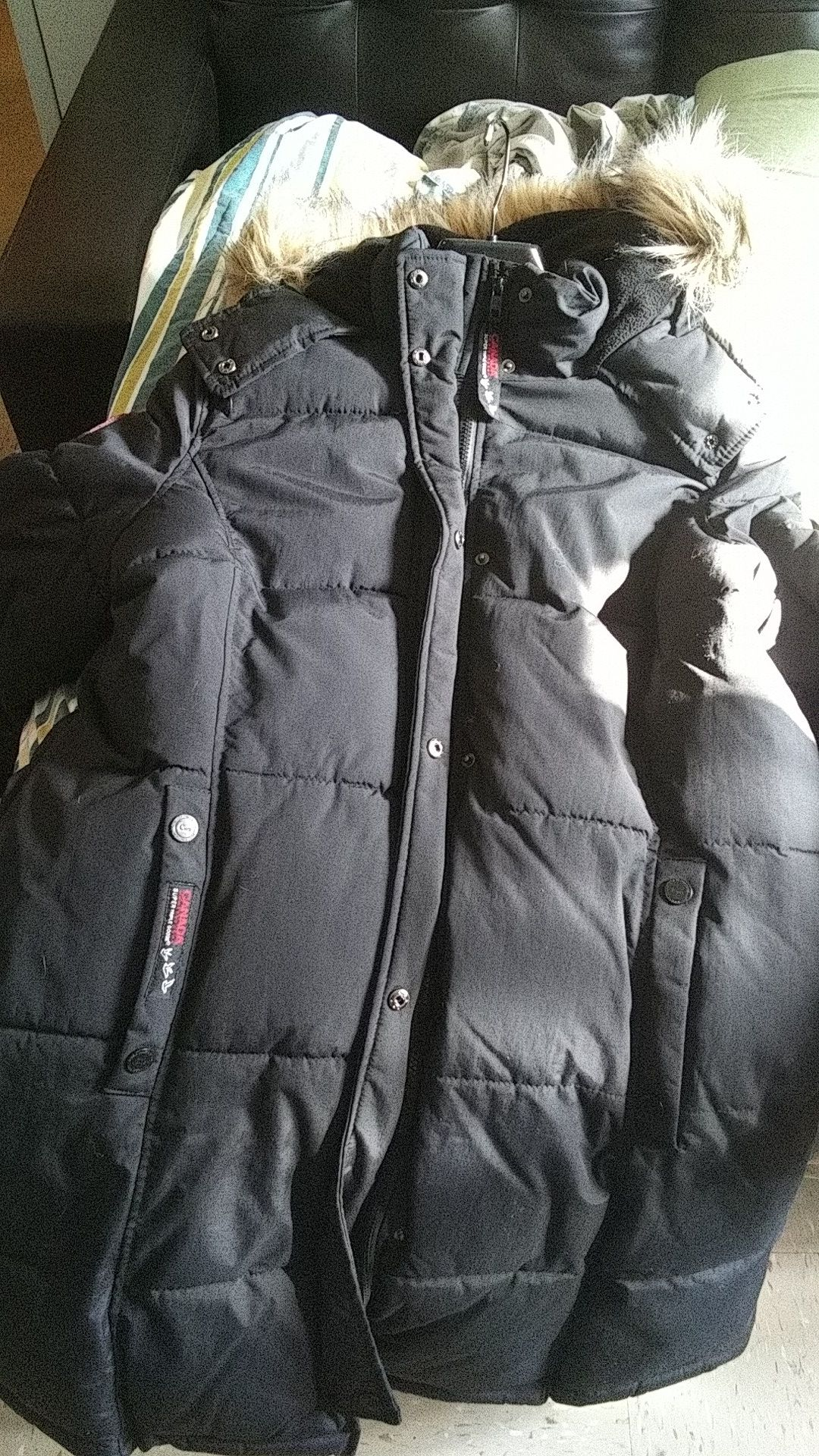 ****Canada goose black coat worn once***** x large