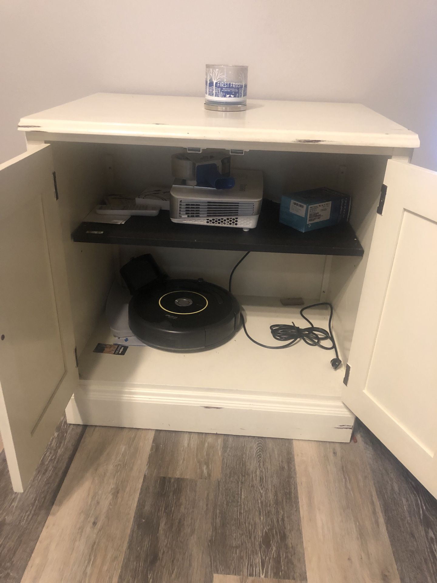 Rustic look cream cabinet