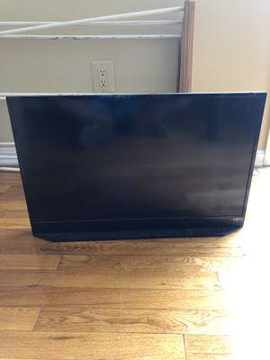 "Vizio 28"" smart tv for Sale in Bowie, MD"