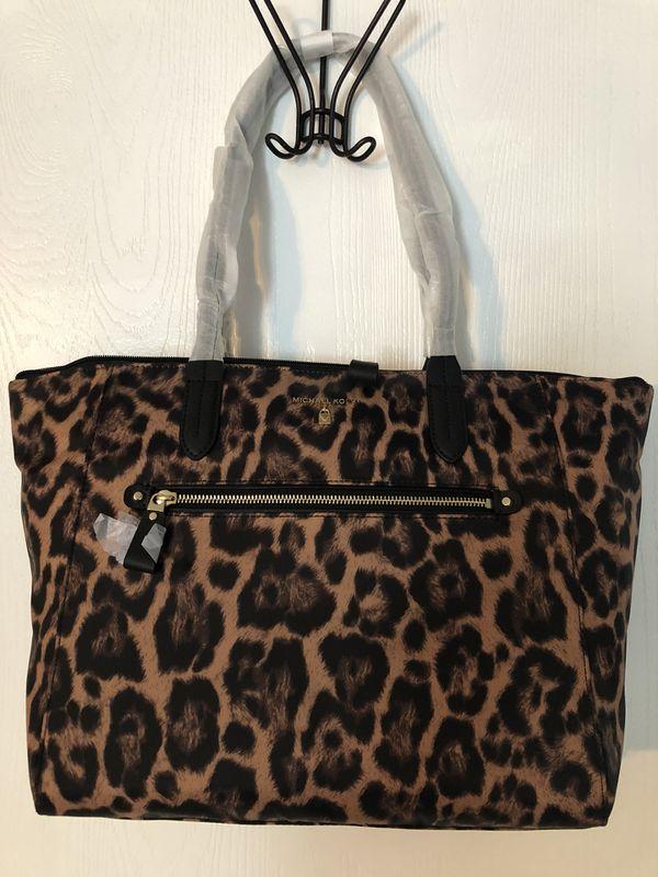 525c34ead746 Michael Kors purse NWT for Sale in San Antonio, TX - OfferUp