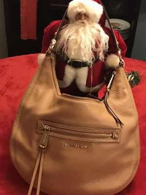 MICHAEL KORS RHEA SOFT LEATHER HOBO HANDBAG for Sale in Burke, VA