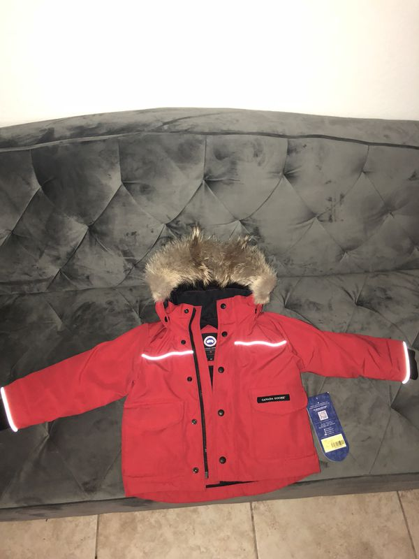 5afb48a6b Canada Goose kids lynx parka sz 2 3 for Sale in Bridgeport