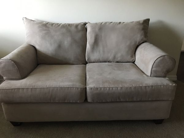 Pleasing Comfy Light Beige Sofa Loveseat And Two Automans For Sale In Temple Terr Fl Offerup Download Free Architecture Designs Ogrambritishbridgeorg