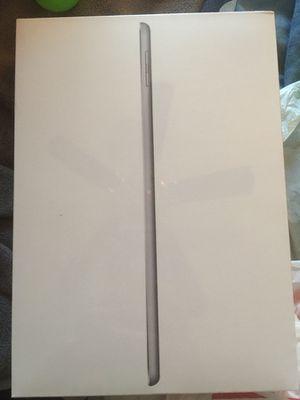 Ipad(latest) 32 gb space grey for Sale in East Brunswick, NJ