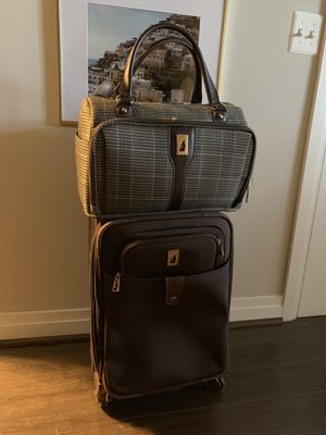 London fog suitcase 21 and extra bag 16 for Sale in Reston, VA