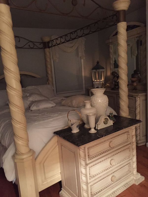 Bedroom set / marble top for Sale in Clifton, NJ - OfferUp
