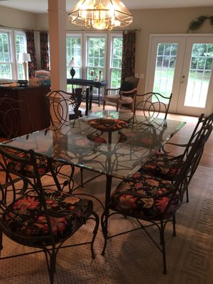Dining table and 6 chairs for Sale in Chantilly, VA