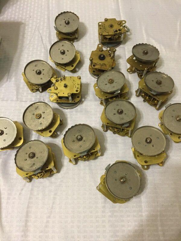 17 Clock Gears