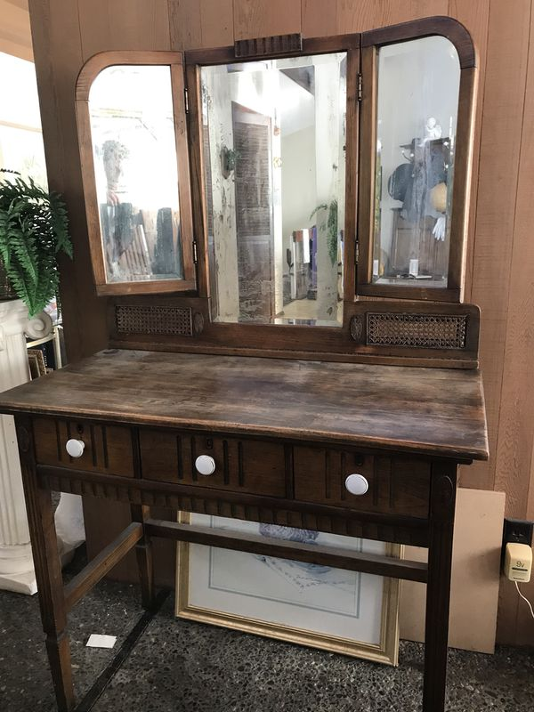 Antique Vanity/desk/table with tri-fold Mirror (Furniture) in Seattle, WA -  OfferUp - Antique Vanity/desk/table With Tri-fold Mirror (Furniture) In