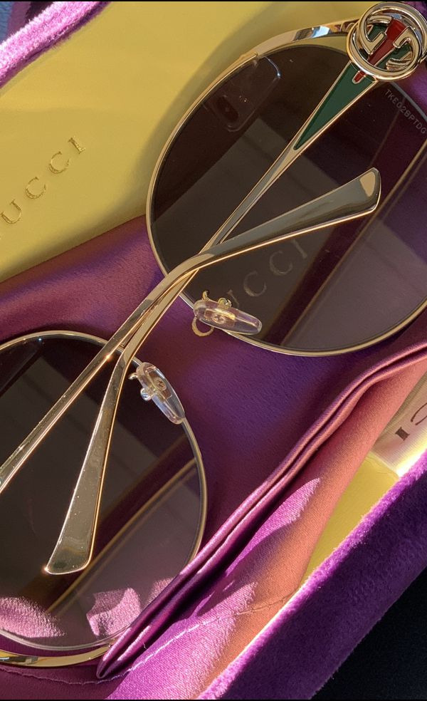 c0a3947b12b Gucci GG0225s Gold Oversized Women s Sunglasses for Sale in Atlanta ...