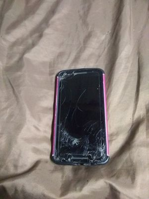 Phone cracked but works perfect for Sale in Baxley, GA